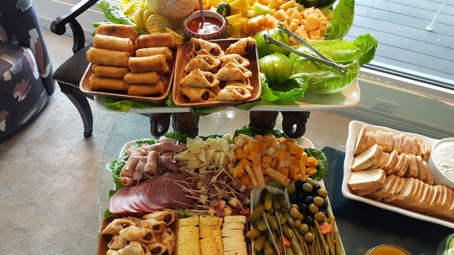 Assorted hors d'oeuvres Tray